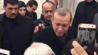 Erdoğan'ın omzuna toz kondurmayan koruma 2017 Video