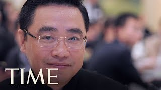 Video Chinese Tycoon Wang Jian Falls To His Death While On A Business Trip In France | TIME download MP3, 3GP, MP4, WEBM, AVI, FLV Juli 2018