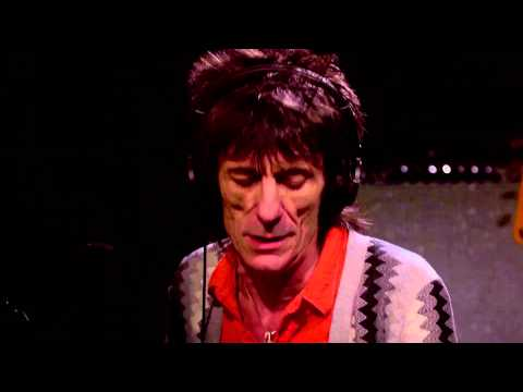 Ronnie Wood performs Jimi Hendrix - Hey Joe