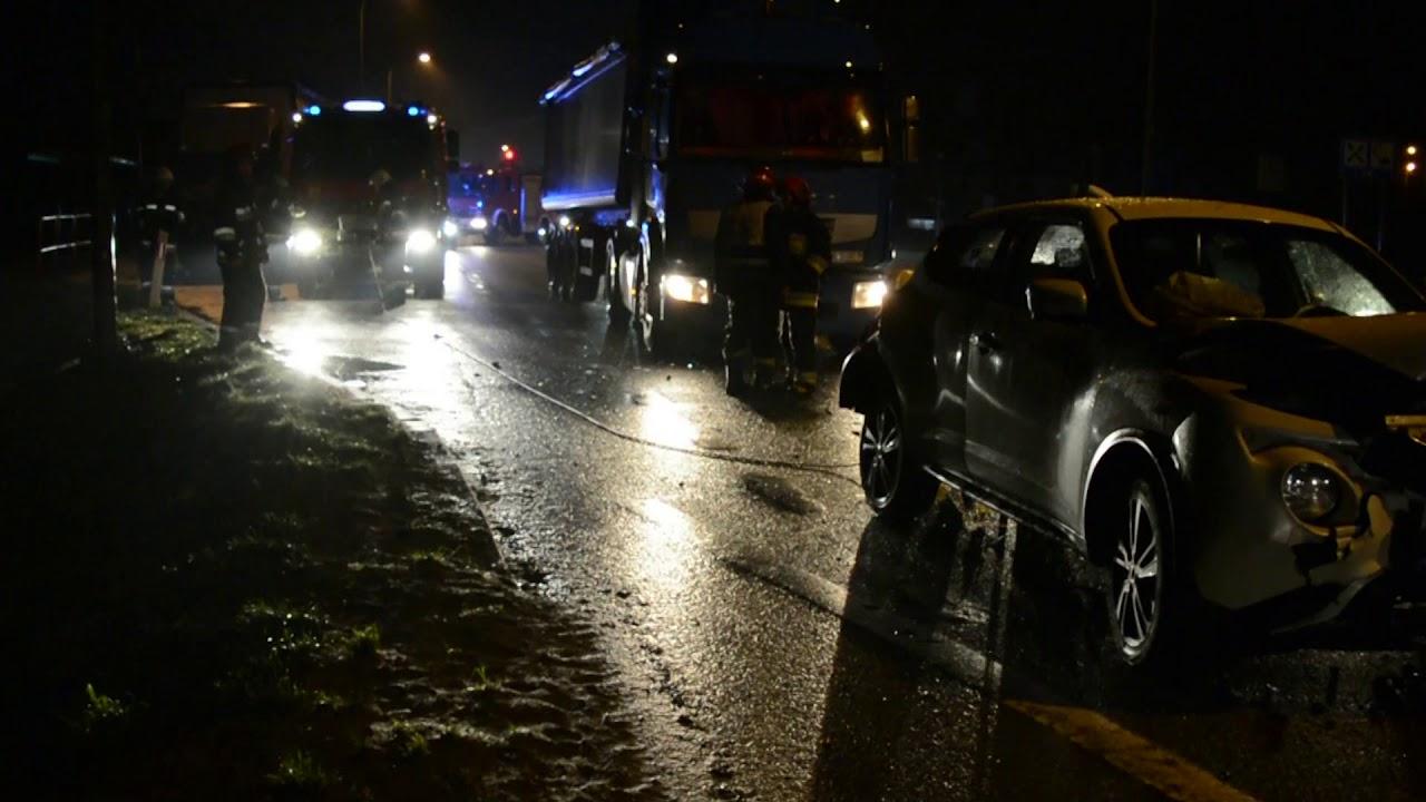 Dworek: zderzenie trzech samochodów. – 28.12.2017