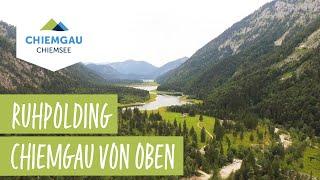 Der malerische ort ruhpolding in chiemsee chiemgau region aus vogelperspektive. dreh & schnitt: cloudwing im auftrag von: tourismus e.v.