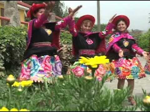 CHICAS MAÑANERAS 2012- HUAYLASH CALIENTE- LA CUCARACHA