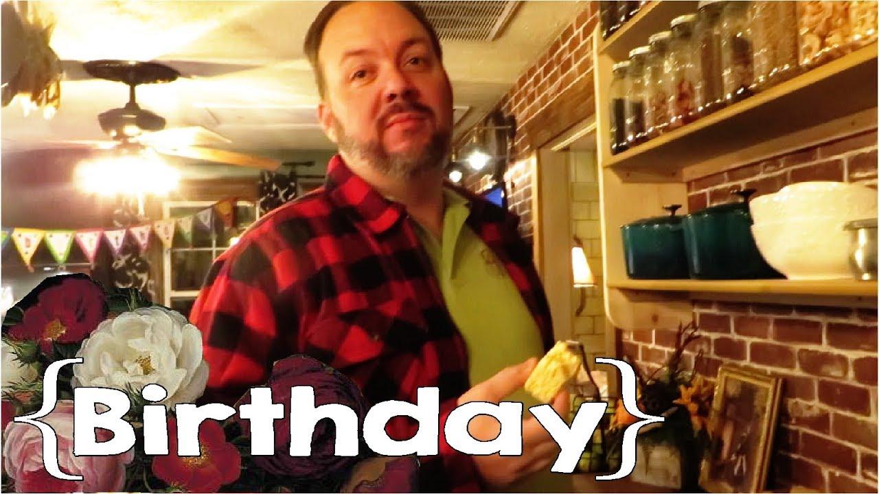 Old Man Mills │ Tom's 42nd Birthday ║ Large Family Vlog