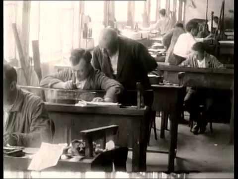 28 «La Artística de Vigo, 1928-2000»