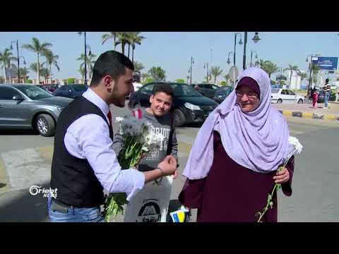 فرقة مسرحية تهنئ الأمهات في شوارع القاهرة  - 22:21-2018 / 3 / 22