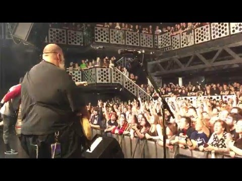 Bowling for Soup + Lacey - '1985' - Live in...