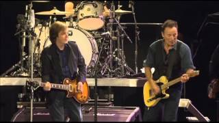 Bruce Springsteen & Paul McCartney - Twist And Shout (Live)