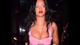 Рианна снова обнажила грудь