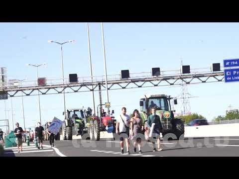 #MenysAvionsMesVida Manifestació contra l'ampliament de l'aeroport (del Prat a BCN) [ Contrainfos ]
