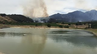 Wild fire rages through top South Africa's wine farms
