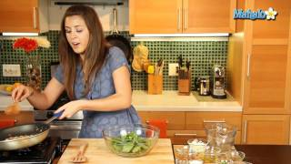 How To Make Wilted Spinach Salad With Bacon And Feta