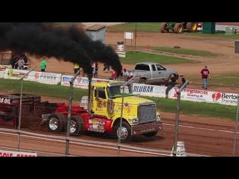 Lernerville Power Pulls Lernerville Speedway Pa Posse Hot Semis Truck Pulls 8-27-17