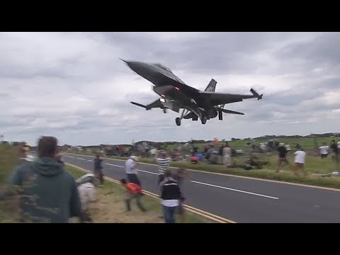 fighter-jet-almost-lands-too-early