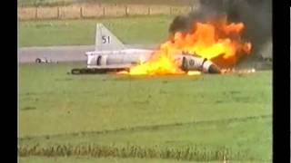 Saab AJ 37 Viggen accidente e incendio