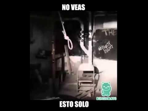 IMPRESIONANTE!! Mujer le da fuerte paliza a un grupo de hombres que la acosaban en un bar de YouTube · Duración:  1 minutos 28 segundos
