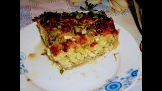 Мясо запеченное в духовке с картофелем под сметанно -сырной заливкой.