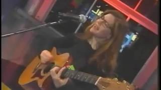 "Lisa Loeb Performs ""Waiting for Wednesday"" on Musique Plus Canada 1996"