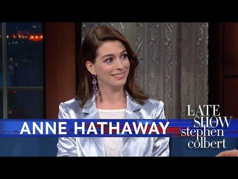 Anne Hathaway Just Had A Wardrobe Malfunction