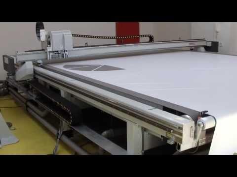 COMAGRAV DIGI cuts fabrics