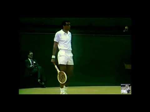 Wimbledon 1969 Semifinal ( 1080p ) - Rod Laver (1) vs Arthur Ashe (5)