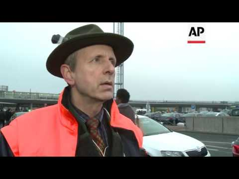 Taxi driver protest near Orly airport