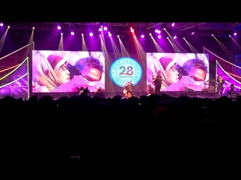 Seventeen - Ayah by Wisudawan at BSI Convention Center