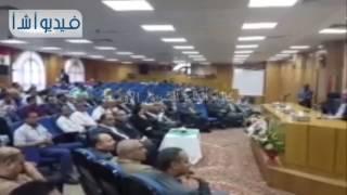 بالفيديو: وزير الصناعة يسلم عقود تخصيص 72 قطعة أرض بالمجان بالمنطقة الصناعية بالمنيا