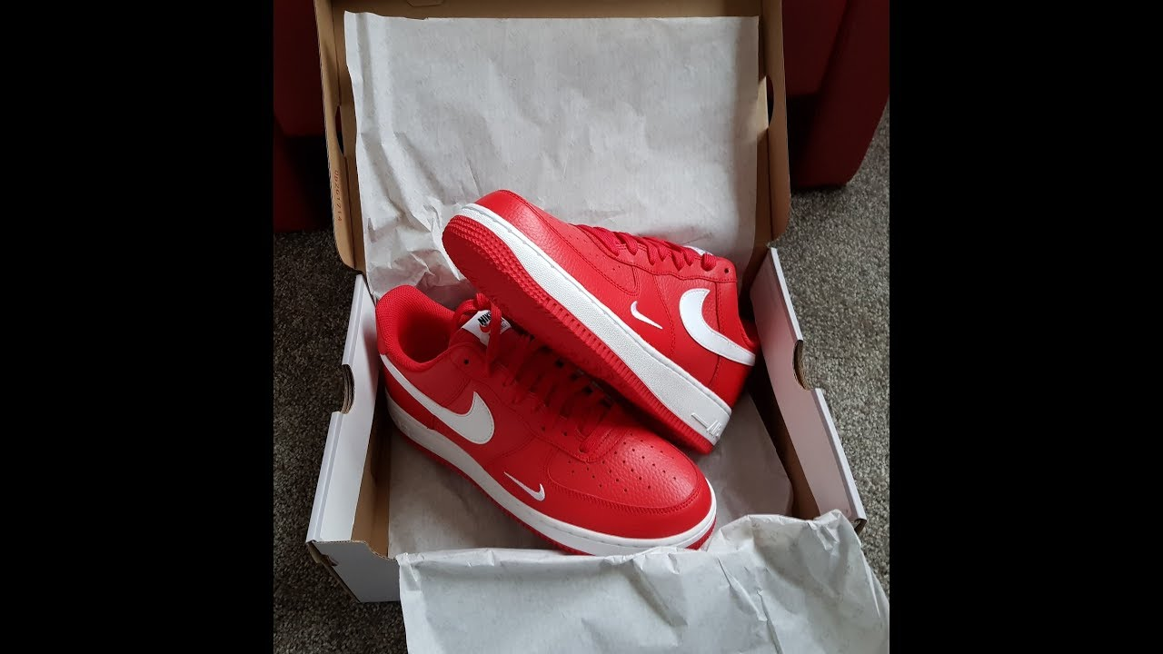 Unboxing – Unpacking NIKE AIR FORCE I LOW University Red / White White  820266 606