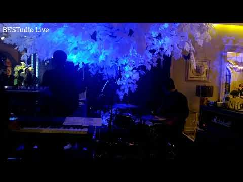 Cakra Khan - Rolling In The Deep (Adele Cover) Live at 20 th Anniversary Malinda design center JKT