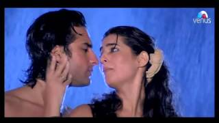 Twinkle Khanna Hot & Sexy Song