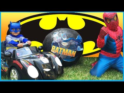 GIANT SURPRISE EGG OPENING BATMAN vs SPIDERMAN Super Heroes Toys Imaginext Power Wheels Kids Video