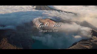 Download lagu Singur cu Tine - Gabi Ilut [Videoclip cu versuri]