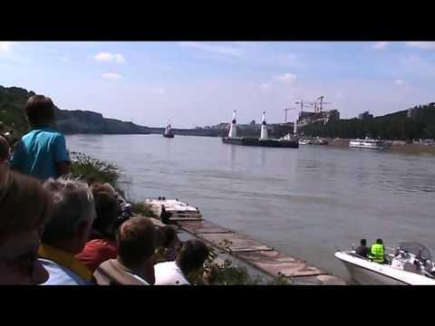 Red Bull Air Duel Bratislava - Arch vs. Besenyei