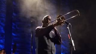 "Glen Hansard feat. Curtis Fowlkes - ""Wedding Ring"" live @ Tempodrom Berlin"