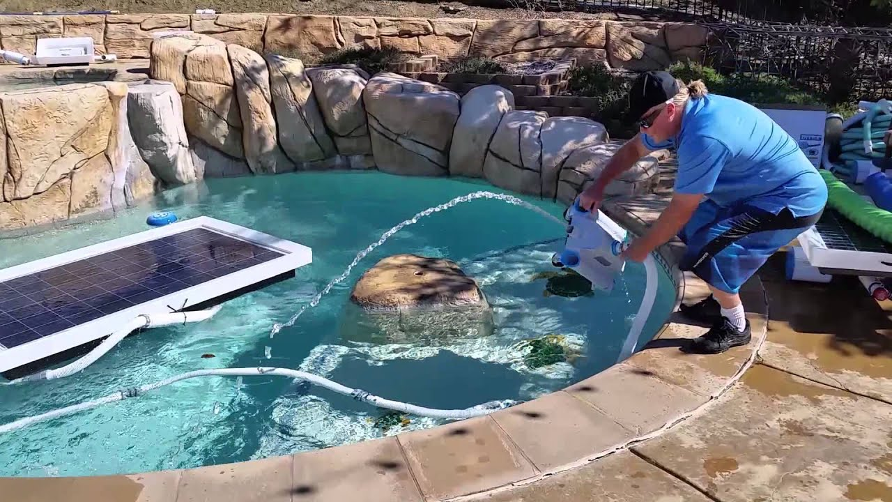 Solar Robotic Pool Cleaner With Solar Pump Filter System