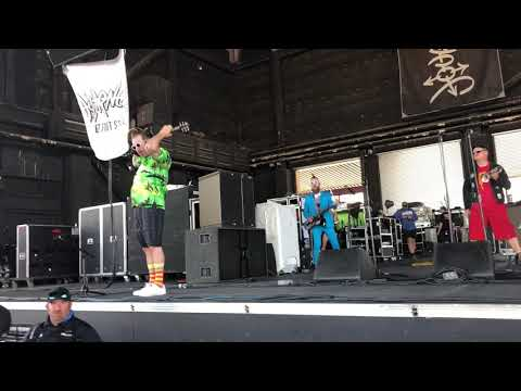Reel Big Fish Beer Live At The Vans Warped Tour 2018 Phoenix Az