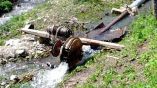Мини-ГЭС из подручных материалов Джаника Саргсяна(Село Шалуа Кашатахского района НКР., 2010-05-12T17:01:15.000Z)