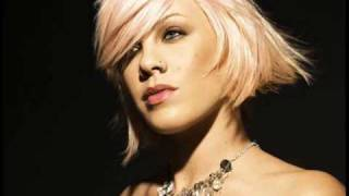 Leave Me Alone (I'm Lonely) - P!nk