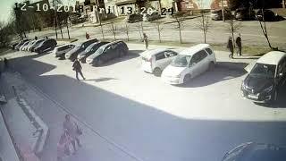 Неизвестный выбил дверь и украл деньги из офиса Бердска 1
