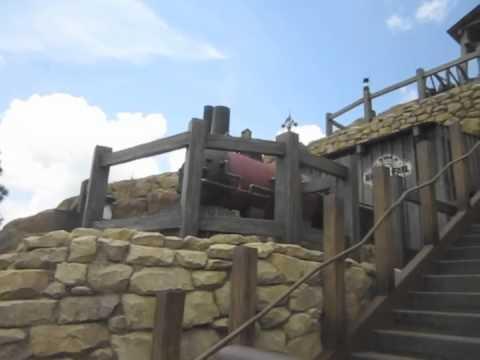Big Grizzly Mountain Runaway Mine Cars POV At Hong Kong Disneyland