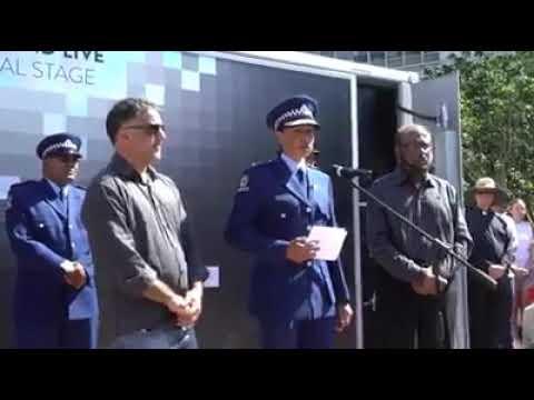 """Résultat de recherche d'images pour """"La chef de la police de Christchurch en pleurs"""""""
