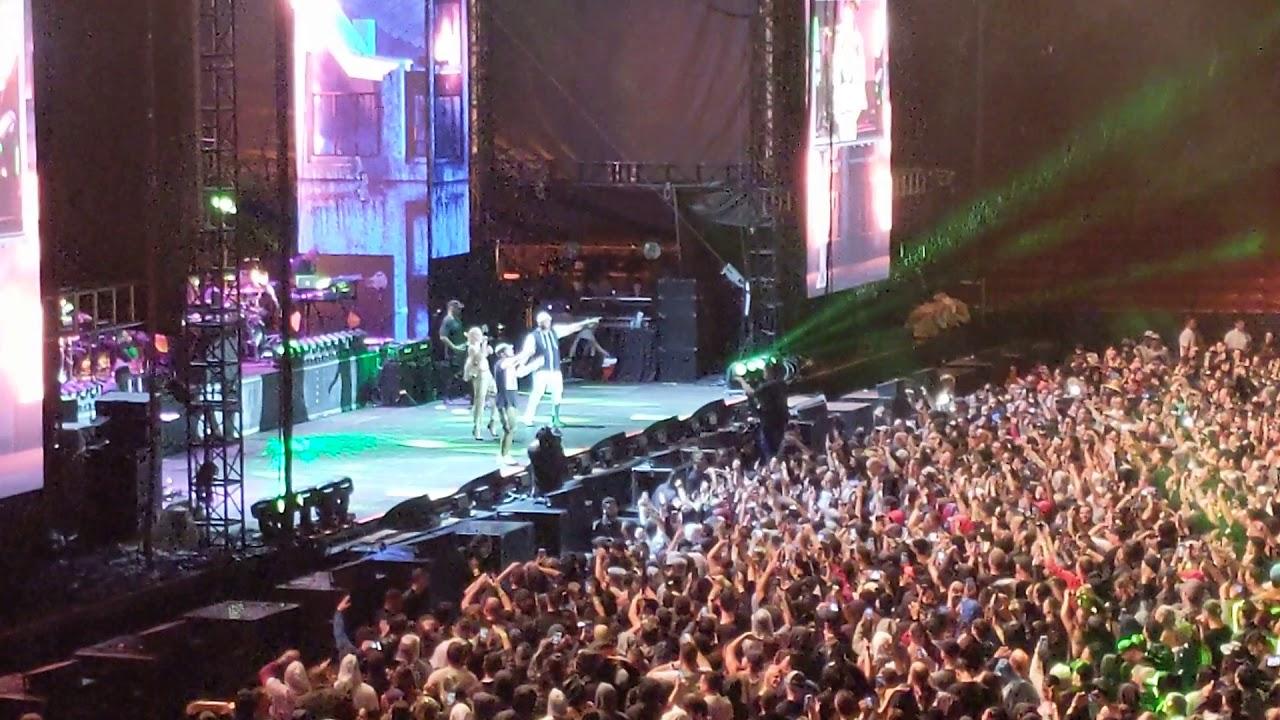 #Eminem performs