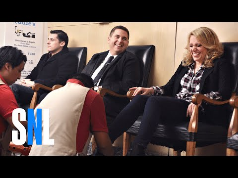 SNL Host Jonah Hill & Kate McKinnon Get Their Shoes Shined