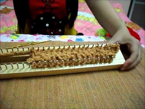 วิธีการถักผ้าพันคอจากบล็อกไม้