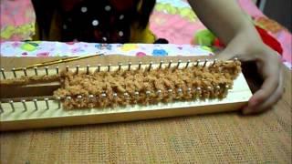 Repeat youtube video วิธีการถักผ้าพันคอจากบล็อกไม้