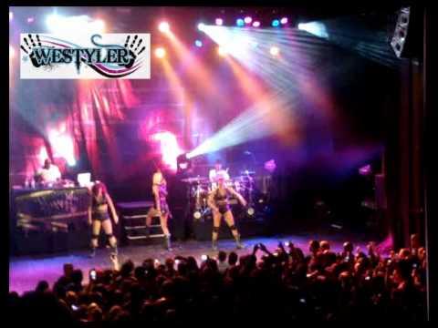 Keri Hilson-  concert à paris  2011  [Agressé Par Un Fan Sur Scène]