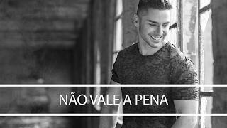 Leandro - Não vale a pena (Lyric video)