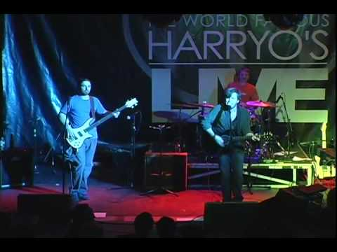 Stealers Wheel - Stuck In the Middle With You (Live at Harry O's)