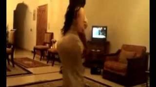 Repeat youtube video رقص فتاة بجمال الجسد وروعة القوام النسخة الكاملة ـ اغنية محمد عبده ارسل سلامي