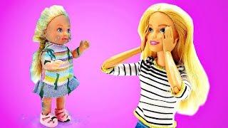 Штеффи на детской площадке упала в пруд! Мультики с куклами - Играем с Барби